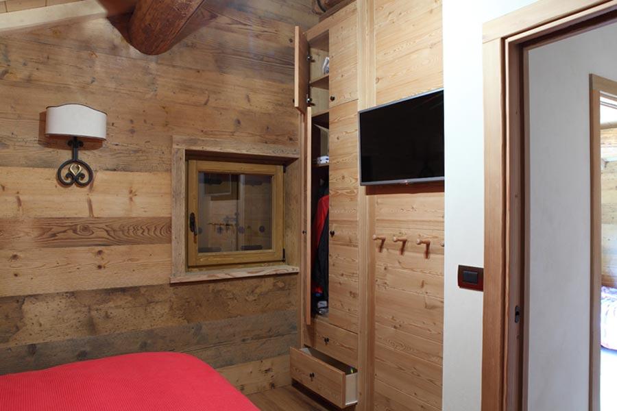 i rivestimenti in legno trasformano gli ambienti di una casa