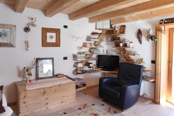 libreria-e-divano