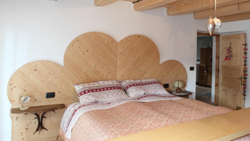 testiera-letto-albero-legno